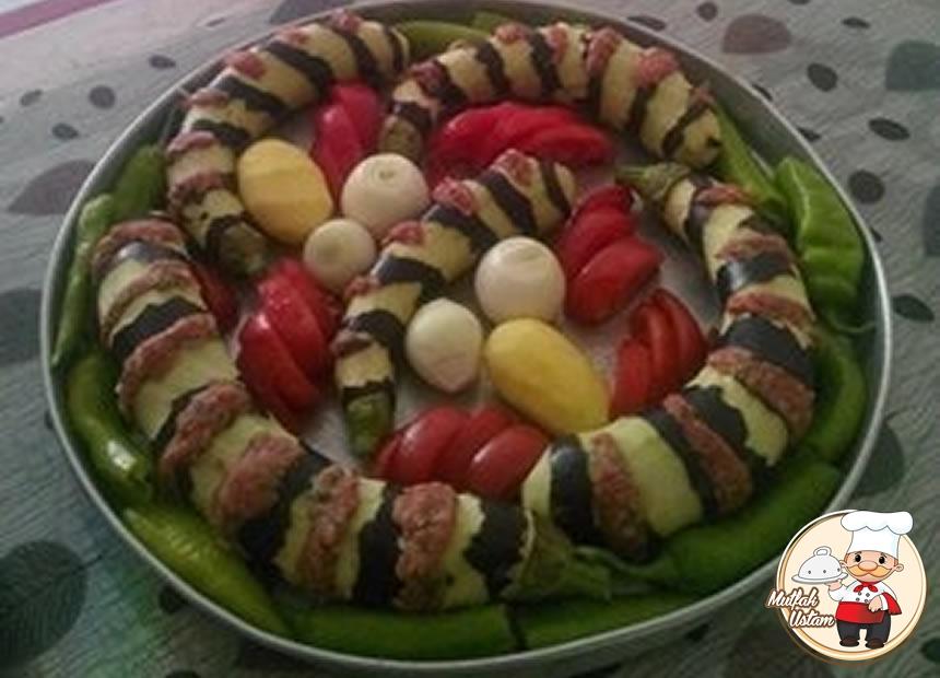 Patlıcan Dizme Kebabı