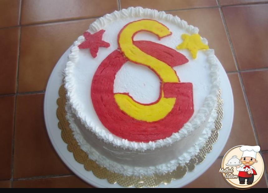 Galatasaraylı Pasta