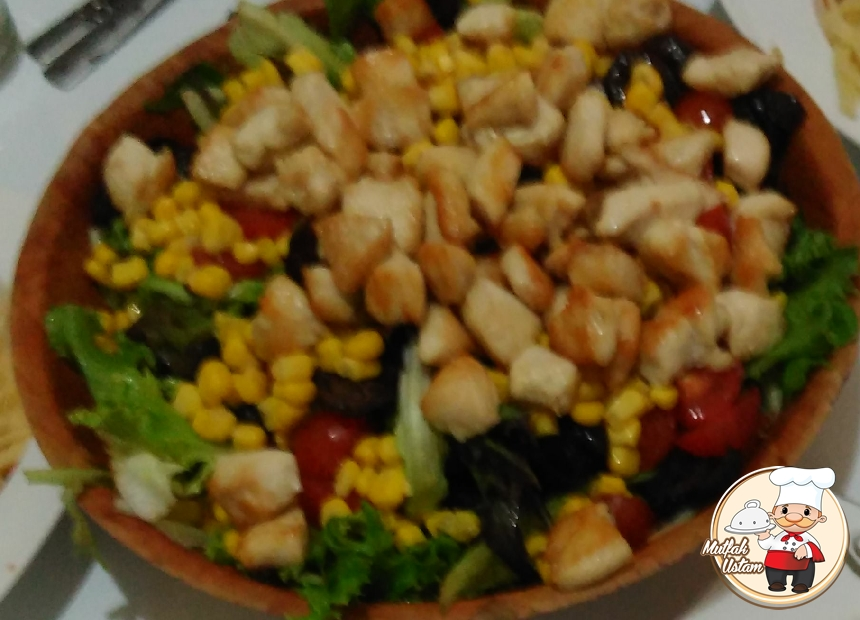 Tavuklu Toledo Salatası